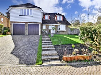 5 bed detached house in Crowborough