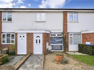 2 bed terraced house in Southwater, Horsham