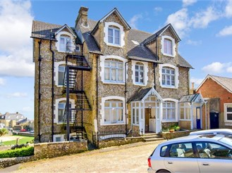 1 bed ground floor converted flat in Ventnor