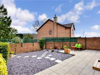4 bed detached house in Waterlooville