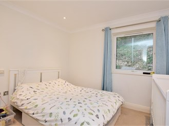 2 bed ground floor apartment in Whyteleafe