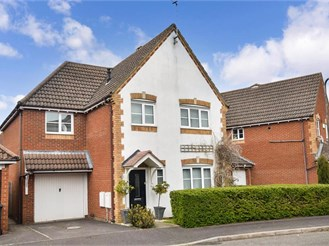 5 bed detached house in Westbourne