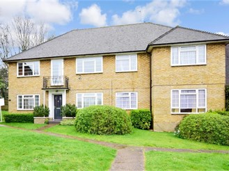 2 bed first floor maisonette in Sutton