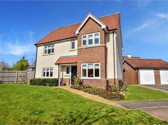 4 bed detached house in Haywards Heath
