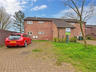1 bed ground floor flat in Bewbush, Crawley