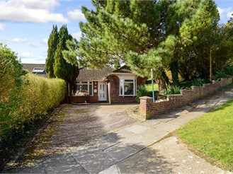4 bed chalet bungalow in Westdene, Brighton