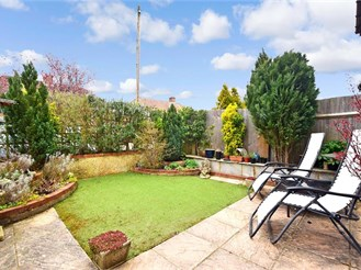 3 bed semi-detached house in Dorking