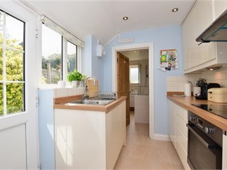 2 bed semi-detached house in Dorking