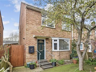 2 bed end of terrace house in Havant