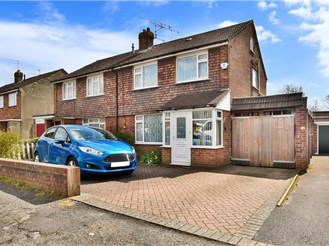 3 bed semi-detached house in Horley