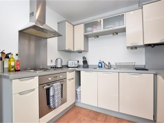 2 bed first floor flat in Caterham