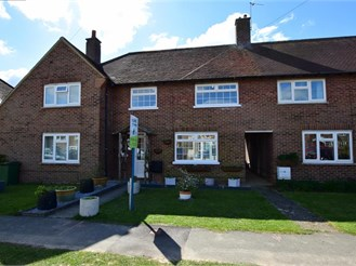 3 bed semi-detached house in West Wittering, Chichester