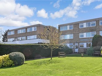 2 bed second floor flat in Shirley, Croydon