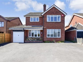 4 bed detached house in Sheet, Nr Petersfield