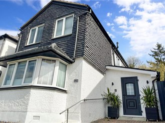 3 bed detached house in Purley